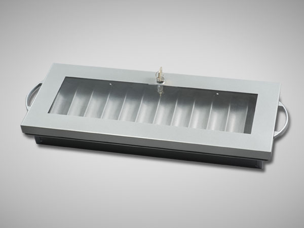 lockable-chip-tray-silver-featured